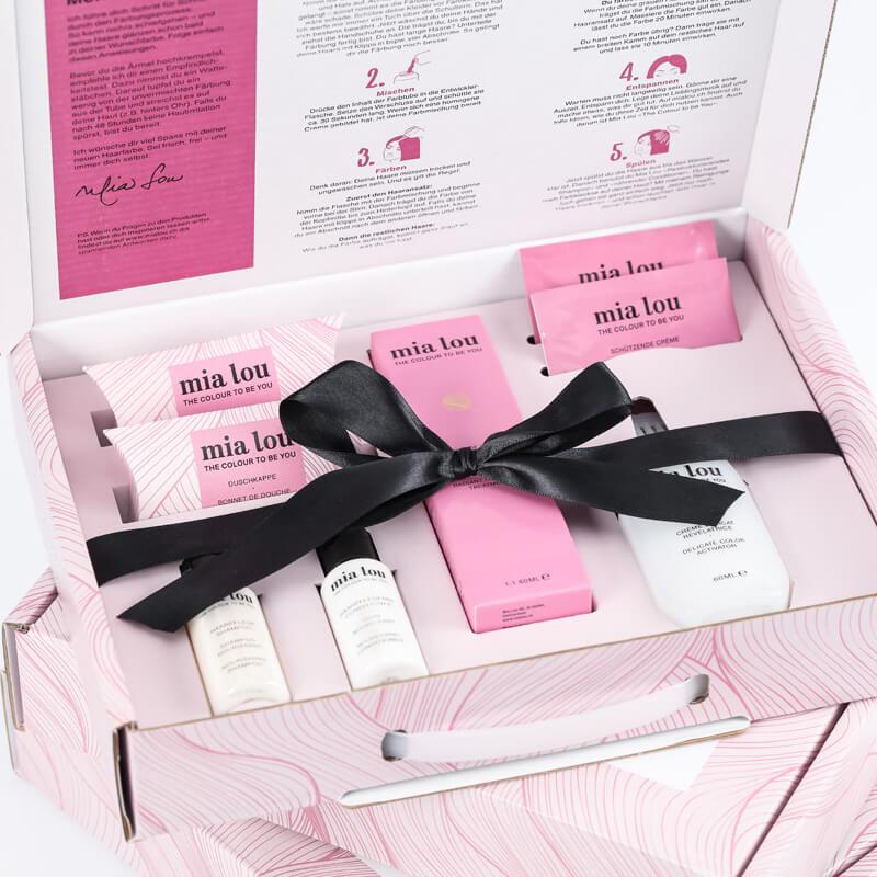 Box mit Haarfärbeprodukten
